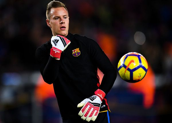 Marc-Andre ter Stegen of FC Barcelona looks on during the warm up prior to the La Liga match between Barcelona and Deportivo Alaves at Camp Nou on January 28, 2018 in Barcelona.