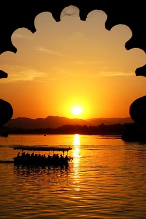 Udaipur is known as one of the most romantic cities in India, its beautiful lake has a lot to do with it. The city is also known as the garden city of Rajasthan, for its many parks and gardens.