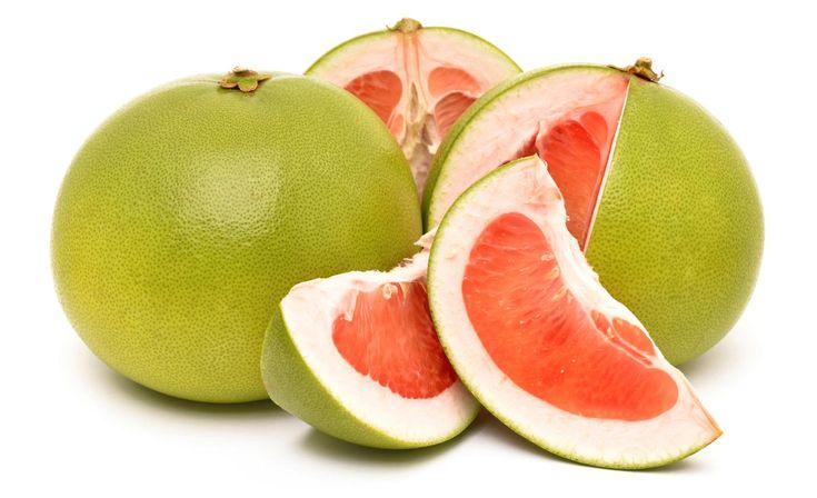 Tutte le proprietà benefiche del pomelo e le ricette per portarlo in tavola. Scopriamo usi, controindicazioni e valori nutrizionali.