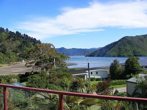 Marlborough/Marlborough/Picton holiday home rental accommodation - Whatamango Magic - Picton Holiday Home