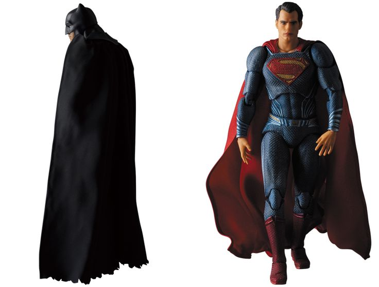 Check Out the Glorious Capes on These Batman v Superman Action Figures