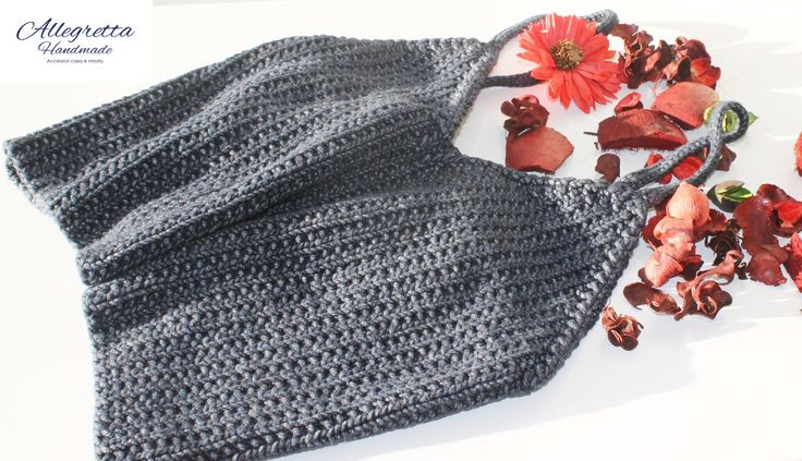 Top grigio Materiale: Fettuccia in cotone Tecnica:Knitting https://www.facebook.com/allegrettahandmade