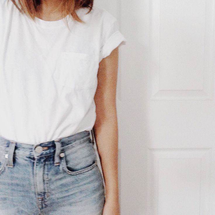 denim shorts and a tee