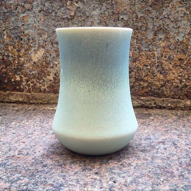 En lille mint farvet scala vase kom ud af ovnen i dag 😍 #vase #vildersboll #kristinavildersbøll #virkeligfin