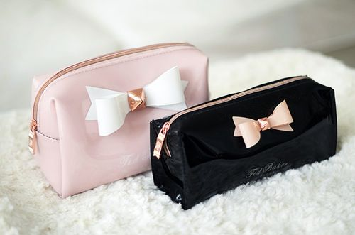 This ted baker makeup bag is soooo cute and defiantly one to buy but also a great pencil case!!!