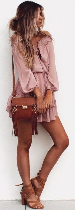 Summer look | Off the shoulders pink boho dress with brown sandals