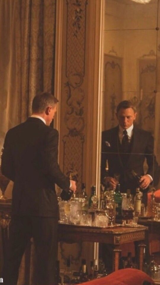 Another classic shot of #TomFord tailoring in #SPECTRE.