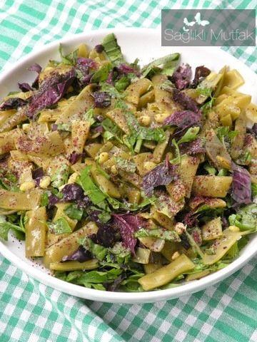 fesleğenli reyhanlı taze fasulye salatası