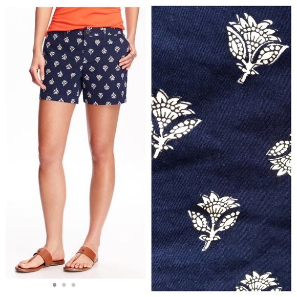 Old Navy Everyday Twill Shorts. Size 14 Very cute Old Navy twill shorts in navy with white batik pattern. I bought the wrong size-- washed, but never worn. Old Navy Shorts