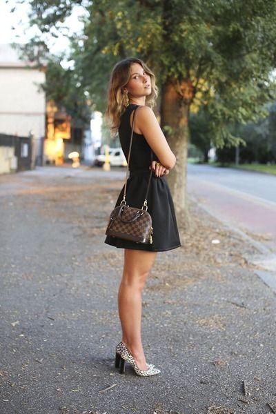 brown Louis Vuitton bag