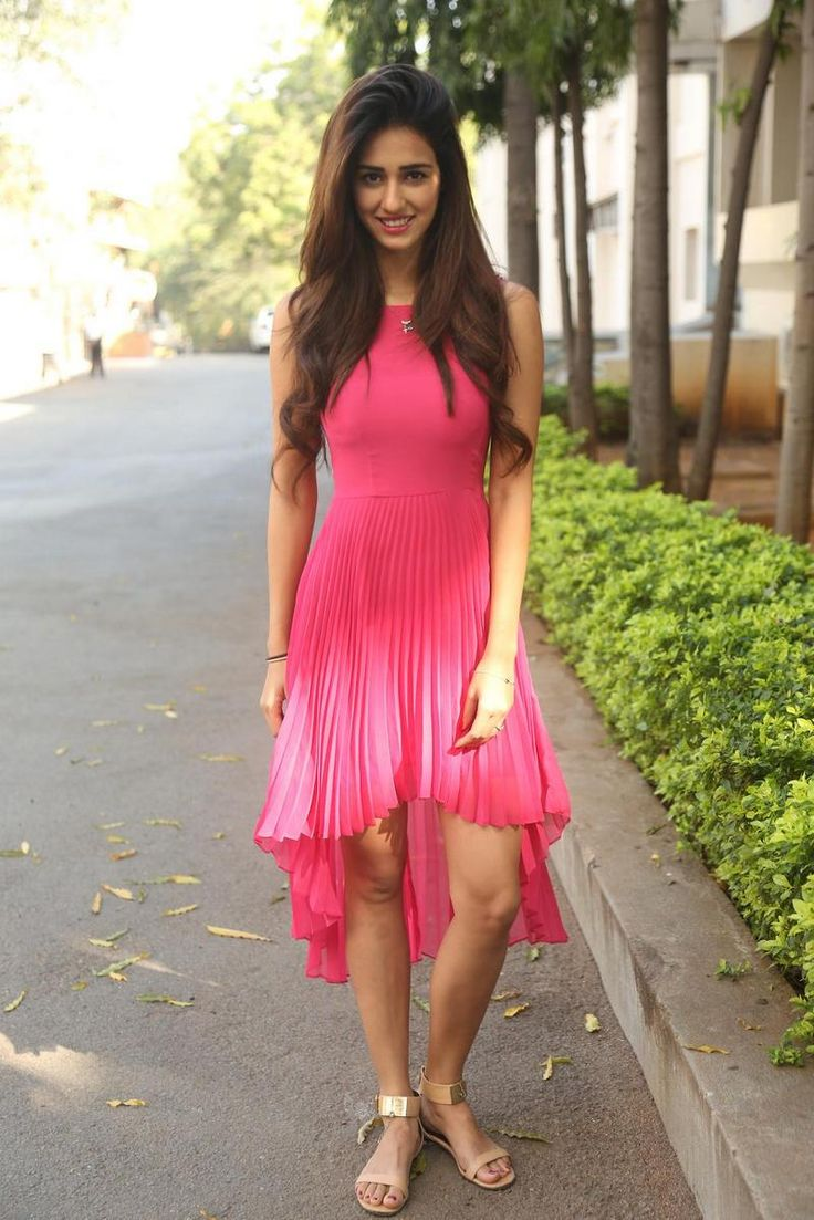 Indian actress Disha Patani wallpapers and pics, heroine Disha Patani photos, latest Disha Patani images and Disha Patani hot photo gallery.