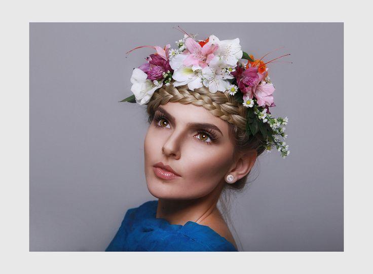 Trabalho Cabelo: Ana Tavares Maquiagem: Aline Dantas Modelo: Fernanda Andersen Fotografia: Sergio Shimizo