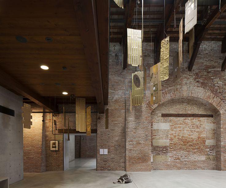 "Danh Vo, ""Untitled"", 2015. Pinault Collection. Installation view at Punta della Dogana 2015. Ph: © Fulvio Orsenigo"