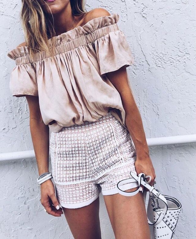 Style - off the shoulder