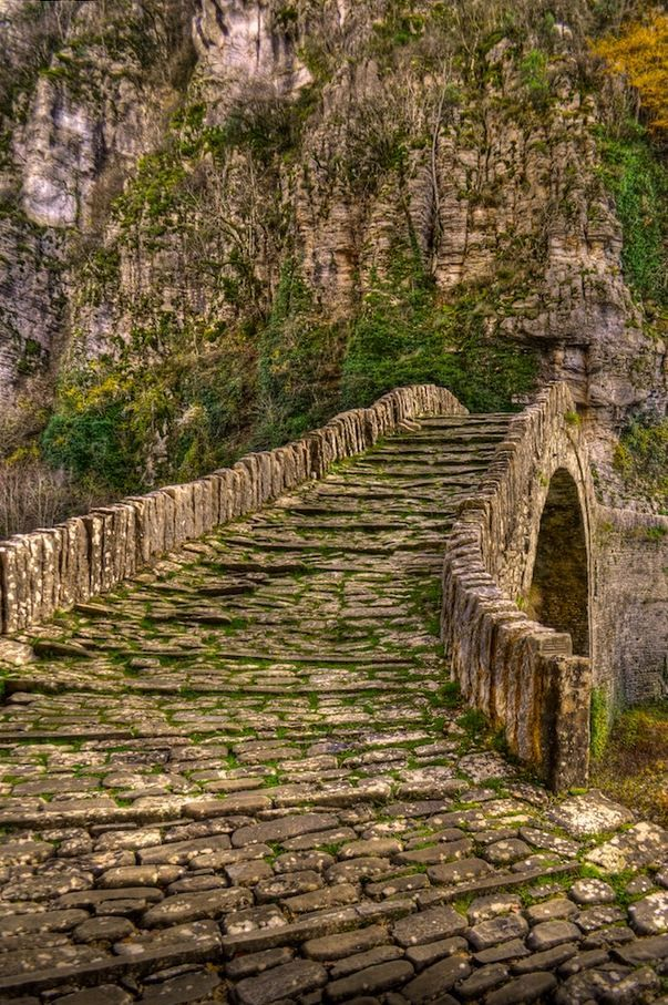 visitheworld:Kokorou stone bridge in Epirus / Greece (by Panos La).  ΑΩ!