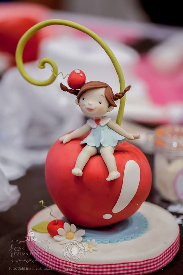 fondant nina sentada en apple