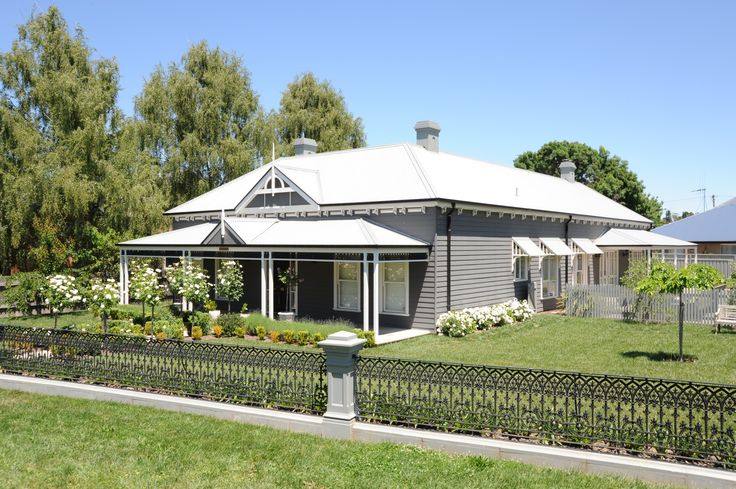 This Harkaway Home is a natural health care clinic called Alive Health located in Orange, New South Wales.  So not only could you live in a Harkaway Home, you could also work in one!