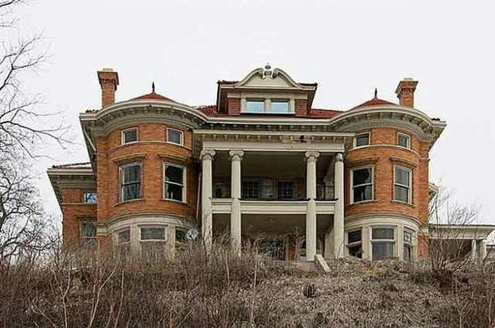 abandoned in iowa mysterious mansions mostly abandoned pinterest abandoned and iowa. Black Bedroom Furniture Sets. Home Design Ideas