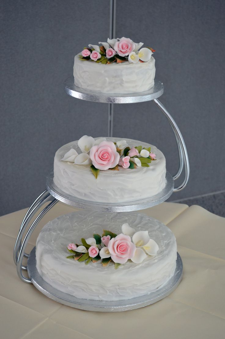top tier wedding cake for christening 17 best ideas about tiered wedding cakes on 21075