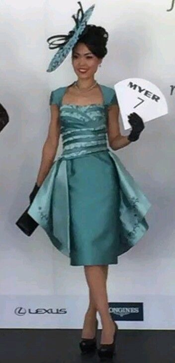 2015 Adelaide Cup...Elis Crewes...Dress. Angela Facchini. .Hat. .Luke Song.  #racewear #hats#silk #couture