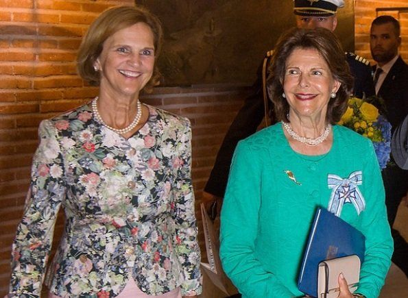 Queen Silvia awarded with the Bavarian Order of Merit