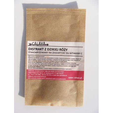 Ekstrakt z Dzikiej Róży - standaryzowany na zawartość 5% Witaminy C -  to surowiec o wyjątkowych właściwościach dla skóry. Wypróbuj go w recepturach kosmetyków anti-age, rozjaśniających przebarwienia, nawilżających, dla cery naczynkowej i problematycznej (trądzikowej, tłustej, skłonnej do wyprysków).