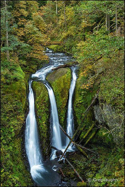 Triple Falls, Columbia River Gorge National Scenic Area, Oregon.