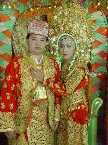 WEDDING: Indonesian Wedding Dresses