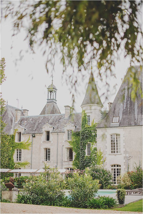 Guide To Your Destination Wedding In Poitou Chaes