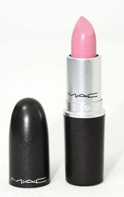 Conhece o batom MAC? Neste post fizemos uma resenha do batom MAC na cor Snob. Venha conhecer e ver o que achamos dele. http://www.papodecosmetico.com.br/batom-mac-snob/