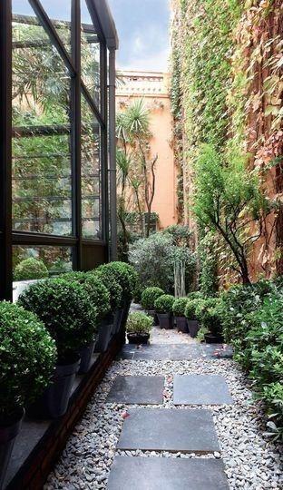 jardin, modern romantic
