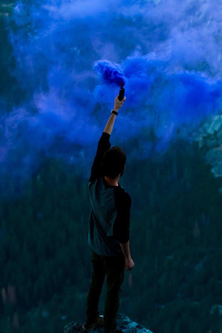 Smoking Girl Wallpaper Iphone As 25 Melhores Ideias De Blue Smoke Bomb No Pinterest