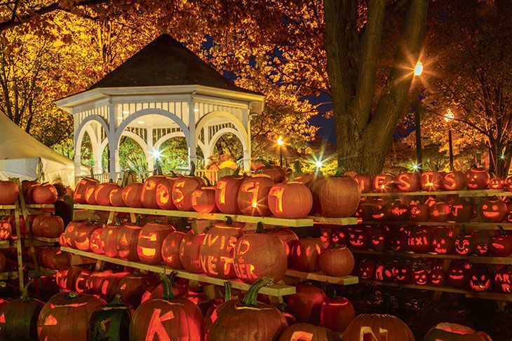 5 Best Pumpkin Festivals in New England - my hometown of Damariscotta is on the list and i've gotta say i'm really proud :) looking forward to pumpkinfest this year!