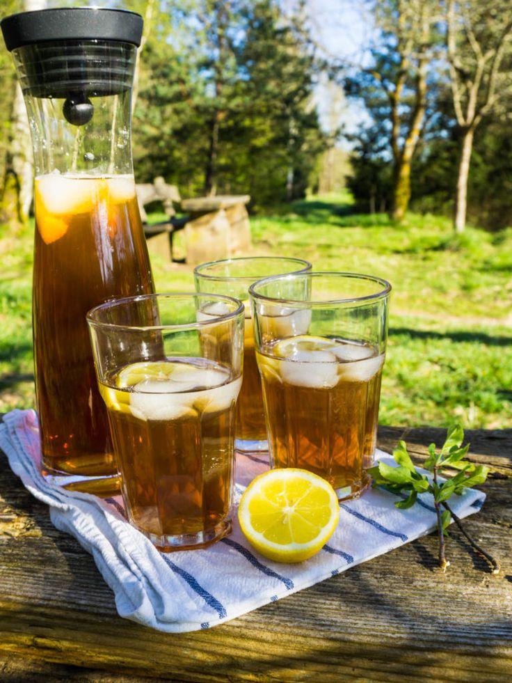 Köstliche Picknick-Ideen: Blitzschneller Eistee & Muffins mit Schokoerdbeer-Topping