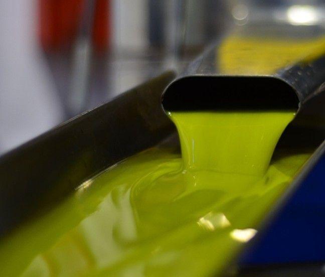 UPA prevé que los precios del aceite se mantengan en torno a los 3 euros el litro