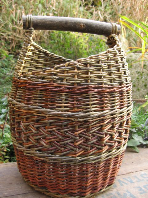 Basket Weaving With Reeds : Beautiful basket made from natural bolts of willow reeds