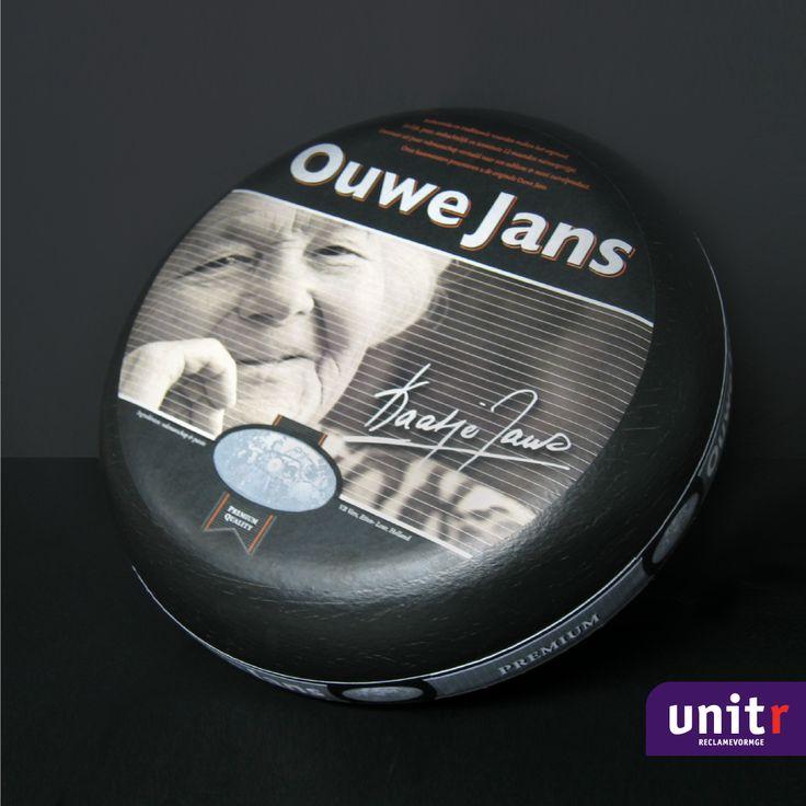 """Ontwerp en realisatie kaasverpakking voor de """"Ouwe Jans kaas"""" voor de Kaatje Jans winkelformule."""