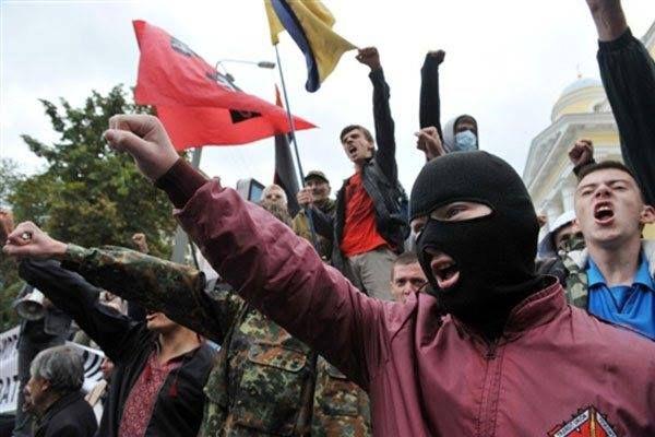Ukrainian nazis in Kiev