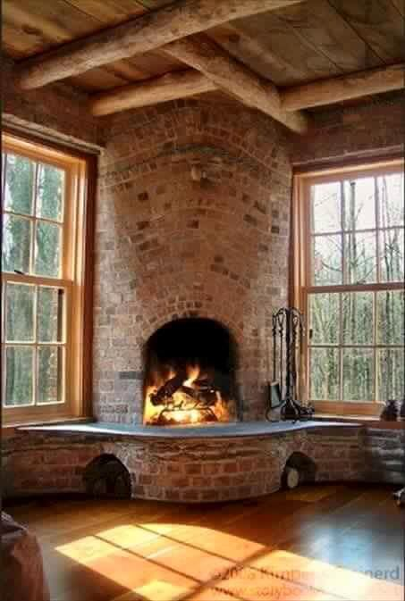 This fireplace is begging for a smore making party! Who wants to be invited??