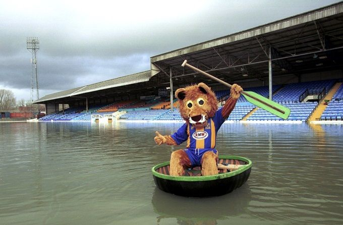 Soccer - Nationwide League Division Three - Floods at Shrewsbury Town