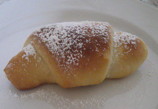 serbische Kifle mit Pflaumenmus... oder Nutella Rezept                                                                                                                                                                                 Mehr