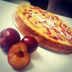 Dieser Pflaumenkuchen ist schnell umgesetzt, schmeckt fruchtig frisch und ist eine gute Alternative zu mächtigen Torten.