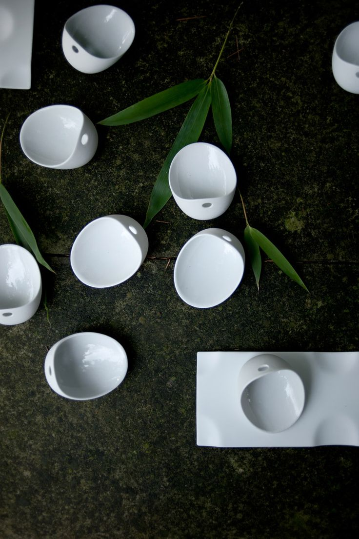 Cookplay has been created by talented designer Ana Roquero. Cookplay is designed for 'social eating' – the simple style of the 'Jomon' bowls and the 'Jo' serving platters are ideal for large gatherings. This is functional tableware that is made to last.