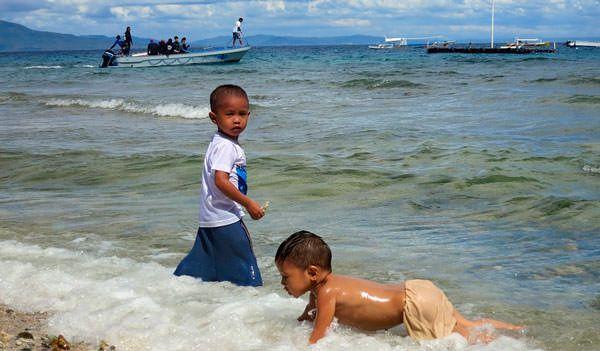 Интересное: У филиппинцев очень красивые дети, а вот как из них получаются такие, в абсолютном большинстве своём, некрасивые взрослые - непонятно ) #филиппины #острова #казино