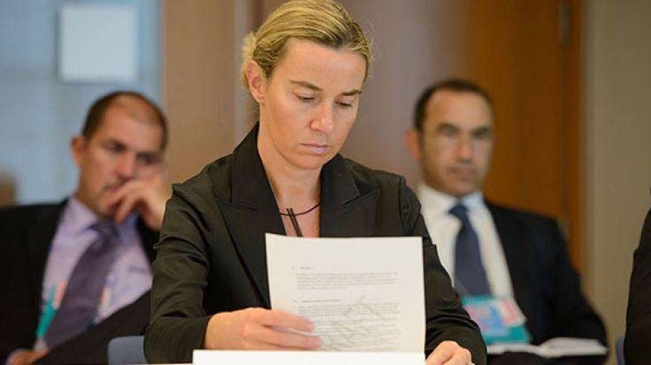 Могерини передала РФ соболезнования от 28 стран Евросоюза https://riafan.ru/697011-mogerini-peredala-rf-soboleznovaniya-ot-28-stran-evrosoyuza