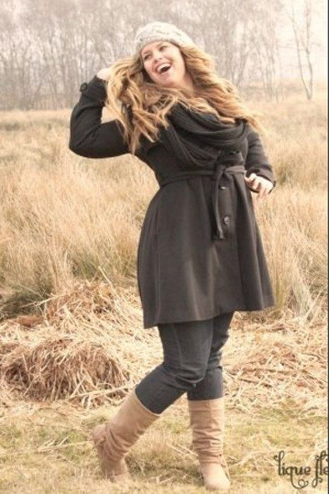 """curvy for the winter. I love her boots!<3 """"if you like my curvy girl's fall/winter closet, make sure to check out my curvy girl's spring/summer closet.""""   http://pinterest.com/blessedmommyd/curvy-girls-springsummer-closet/pins/"""