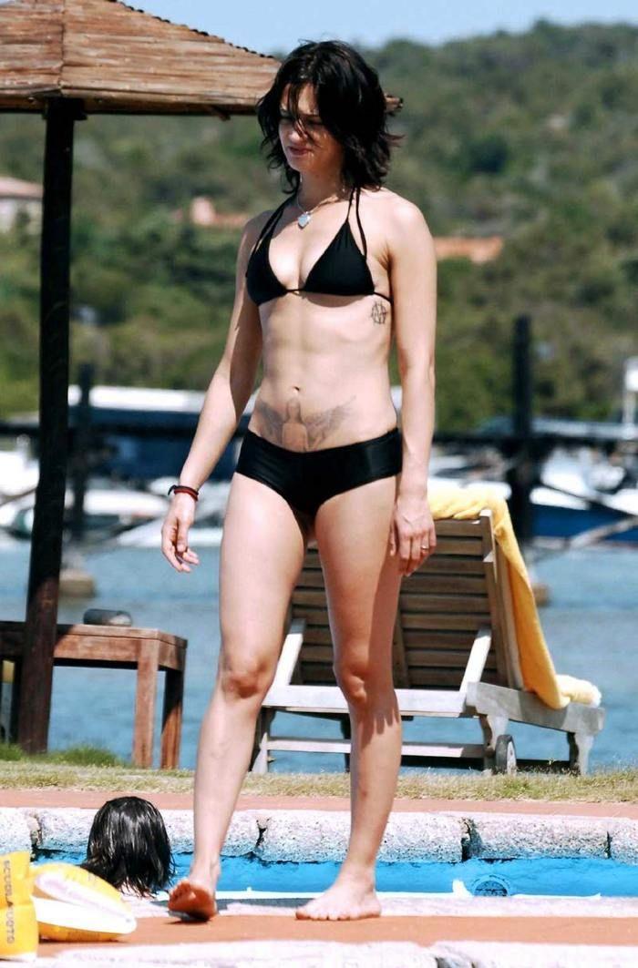 Asia argento bikini