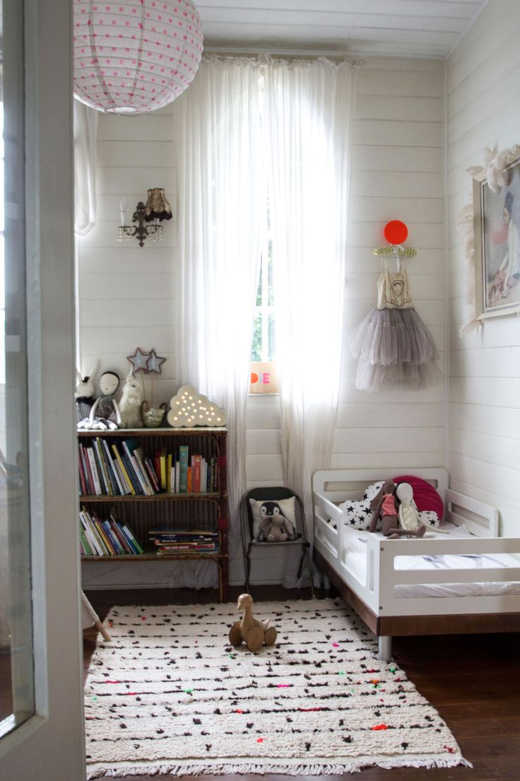 How To Style Little Girls' Room