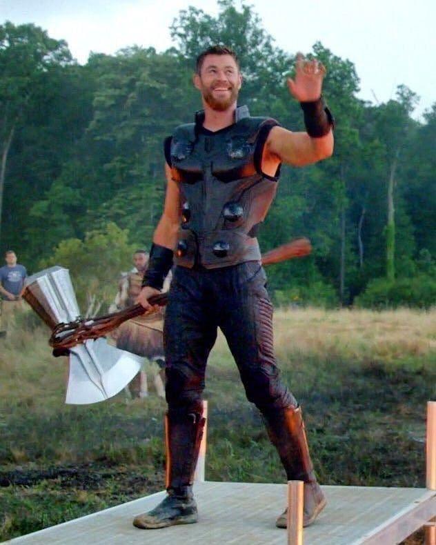 Pin By Superheroesverse On Thor Chris Hemsworth Thor Hemsworth Marvel Thor