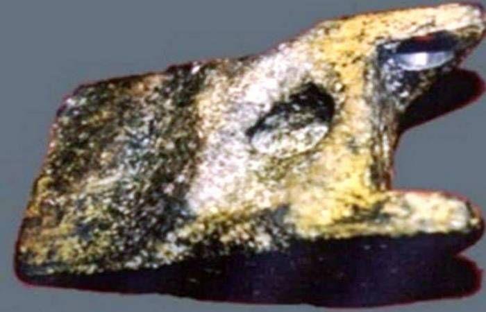 Неразгаданная тайна алюминиевого клина из Айюда Румыния.1974г. на глубине 10 метров рядом с костями слонов возрастом 2.5млн лет